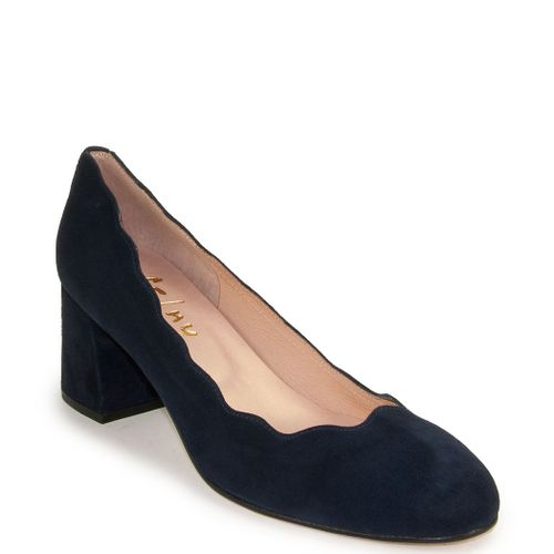 Wave Scalloped Pump