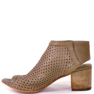 0794-Perforated-Slingback-275_Central_0794_Taupe_41Medium