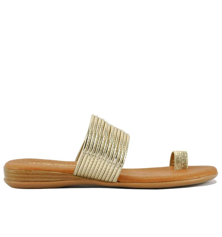Vira-Metallic-Flat-Sandal-AndreAssous_Vira_Platinum_11Medium