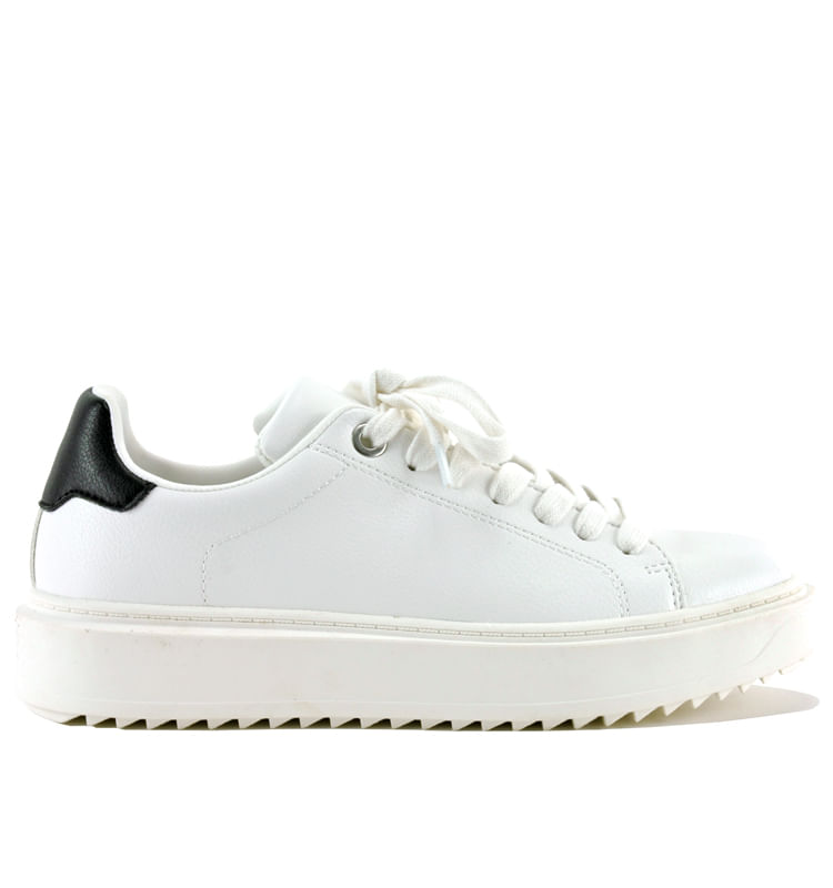 Catcher-Leather-Platform-Sneaker-SteveMadden_CatcherBlack_White_8Medium