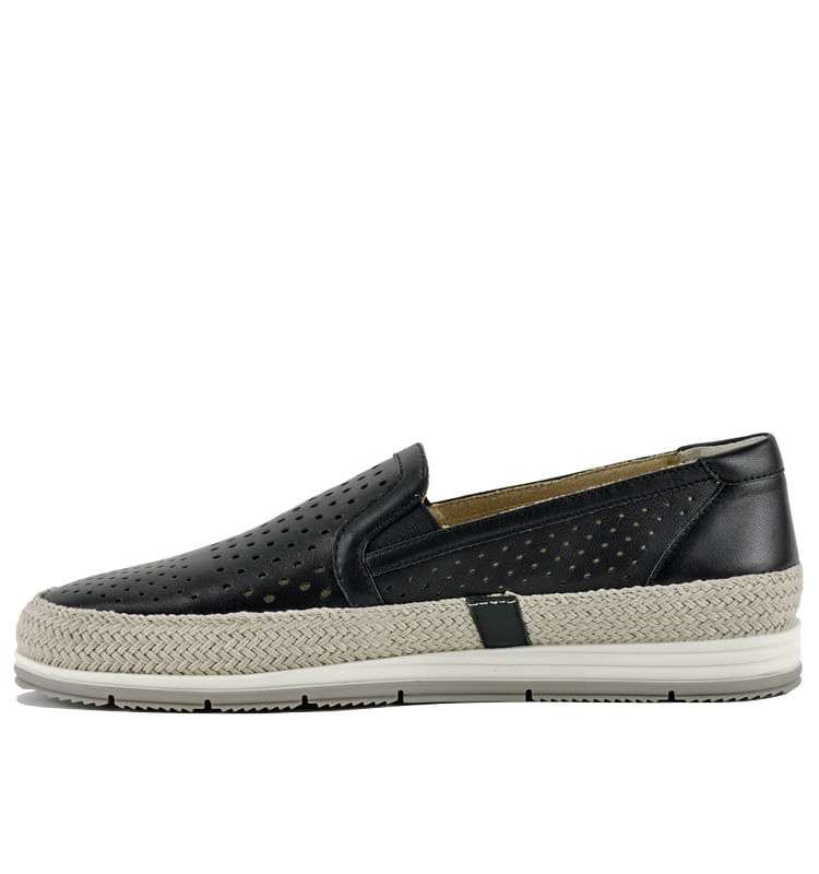 Qabic-Perforated-Leather-Closed-Flat-10-Black-3