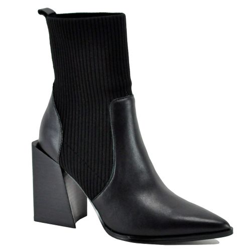 Tackle Leather Angular Heel Boot