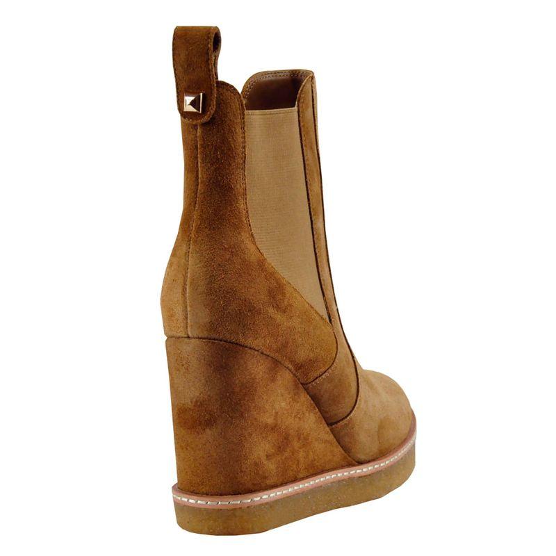 Footnotes-Jordan-Wedge-Camel---3